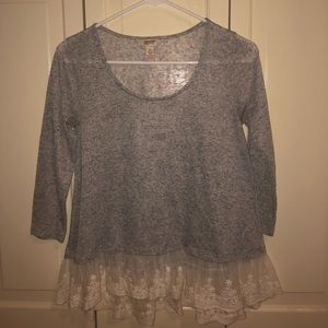 Grey shirt with lace